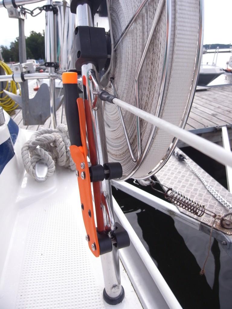 Seacutr monterad på relingen